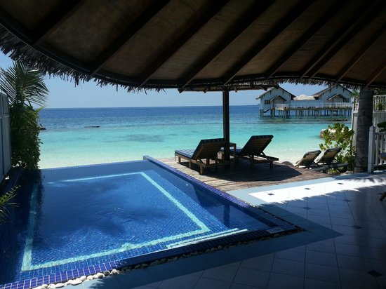 Centara Grand Island Resort & Spa Maldives: beach villa with pool