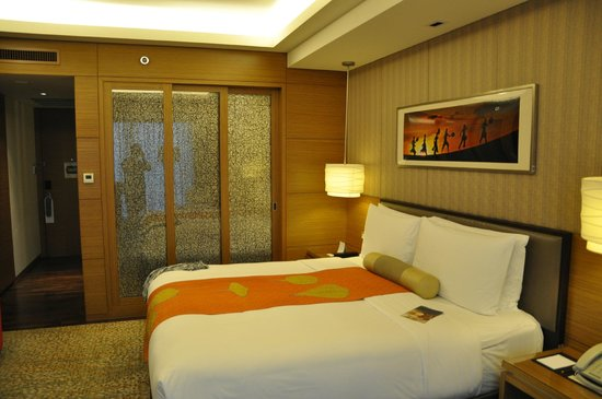 InterContinental Saigon Hotel: hotel room