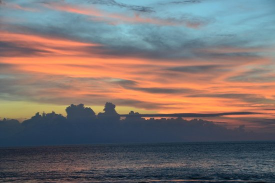 Puri Mas Boutique Resort & Spa: Another wonderful sunset - every night it is different.