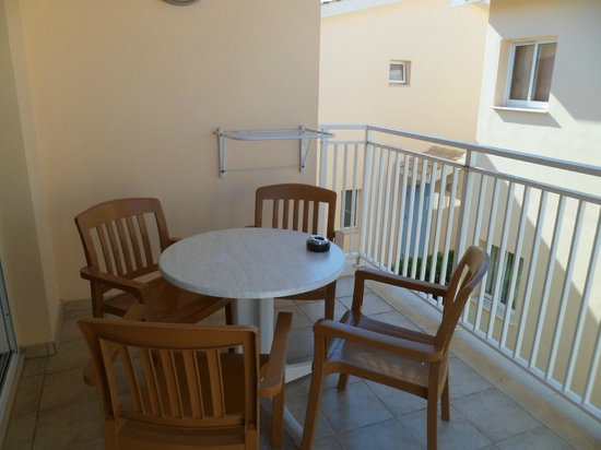 Tasia Maris Gardens Apartments: Balcony 13B