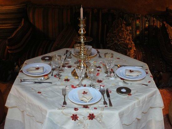 Riad Samsara: table dressée par Milouda... un bon souvenir!