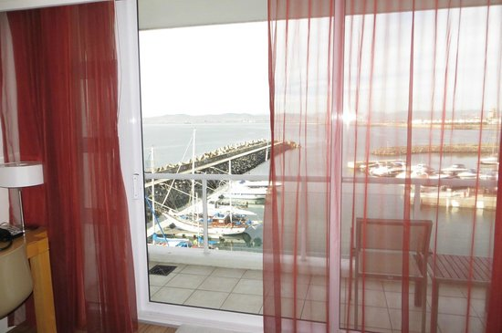 Radisson Blu Hotel Waterfront, Cape Town: Nice view from the bedroom