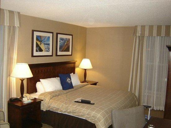 Salem Waterfront Hotel & Suites: Our Room