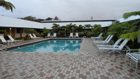 Hilo Seaside Hotel: Piscine