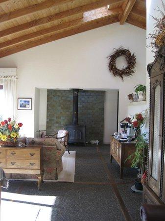 Roundstone Farm Bed and Breakfast Inn: Living Room