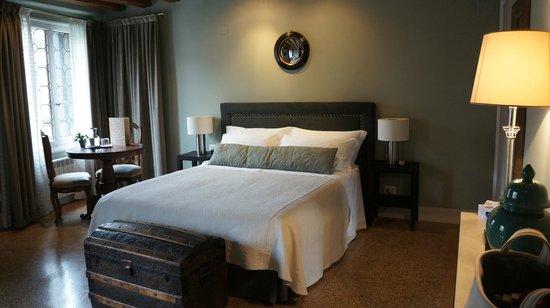 CimaRosa: Very comfortable bed!