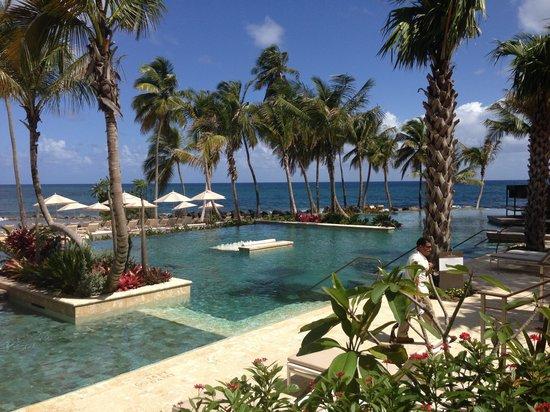 Dorado Beach, a Ritz-Carlton Reserve: The pool at the resort