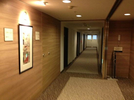 Keio Presso Inn Higashi-Ginza: 廊下