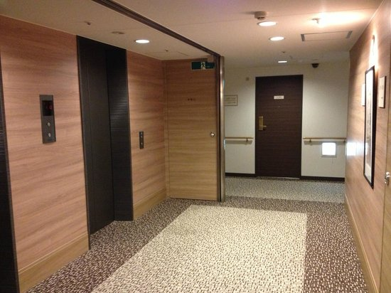 Keio Presso Inn Higashi-Ginza: エレベーターホール