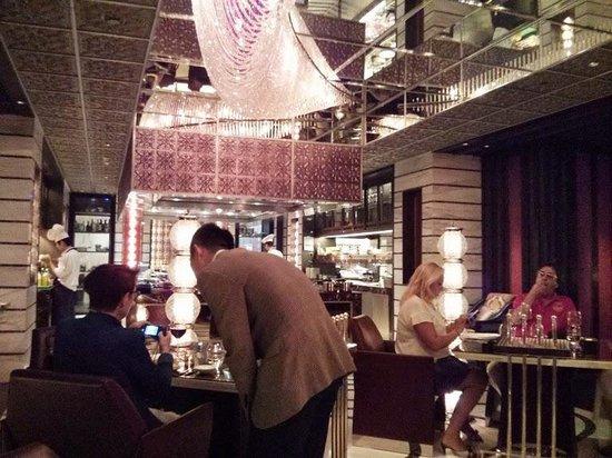 MIO Italian Restaurant: Interior