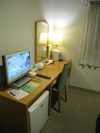 Petit Hotel Kochi : 仕事スペースもまあ十分です