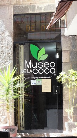 Museo De La Coca: Coca museum entrance off a little alcove on the street
