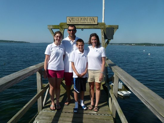 Spruce Point Inn Resort and Spa : Photo Op on the dock