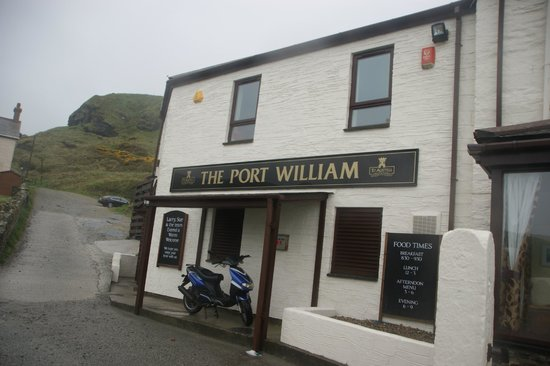 Port William Inn: Entrance