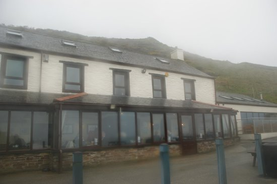 Port William Inn: Rooms on upper floor