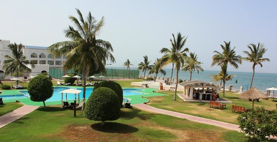 Sohar Beach Hotel : Pool area