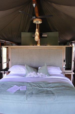 andBeyond Ngala Tented Camp: Bedroom