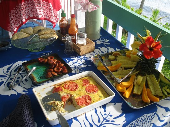 Hale Kai Hawaii Bed & Breakfast: Apricot scones, Portuguese sausage, egg casserole, and papayas, bananas, avocadoes, and pineappl