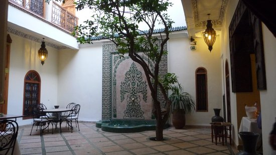 Riad Granvilier: Cour du Riad