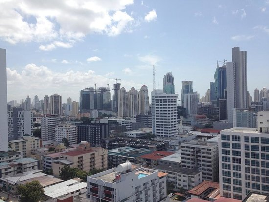 Tryp by Wyndham Panama Centro: View from the pool