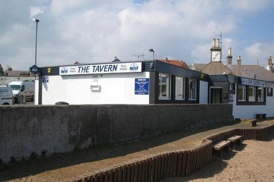 Tavern Bar - Blackies Filling Station