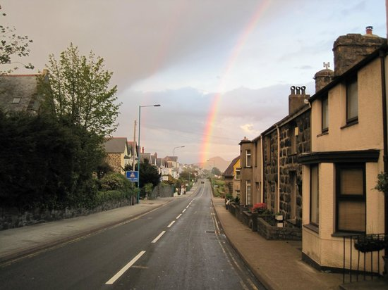 Gwenddwr: end of rainbow