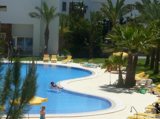 Holiday Village Algarve Balaia: pool