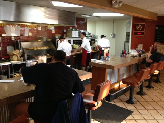 Cinder's Charcoal Grill: Cinders counter seating
