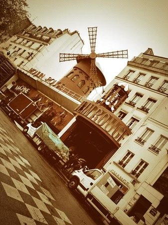 Plug-Inn Hostel: close to Moulin Rouge