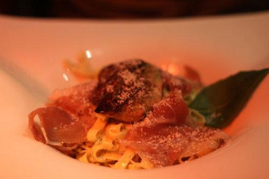 Leonard de Vinci: tagliatelle à la crème de truffe et foie gras poelé
