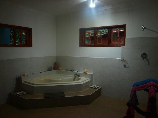 Shangri-Lanka Villa: salle de bain