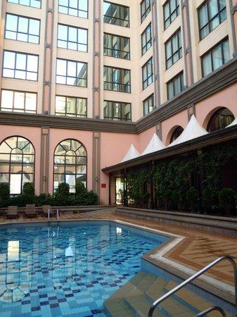 Crowne Plaza Hotel Nairobi: 写真より実際の方が良い雰囲気かと!