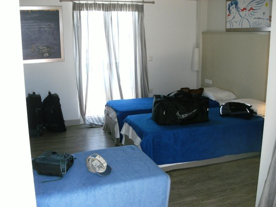 Princess of Naxos: Triple Bed Room