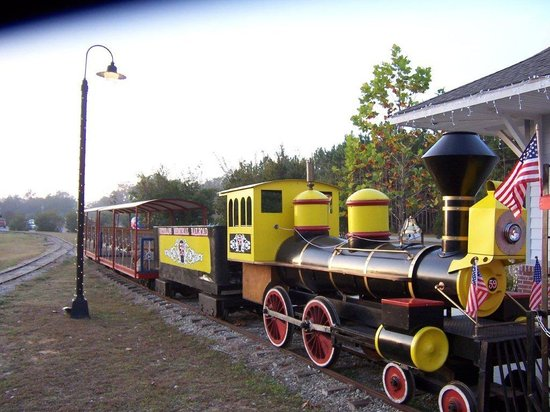 Veterans Memorial Railroad: Engine 59-Steam Locomotive Replica