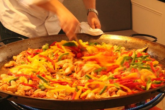 The Kings Arms Restaurant: The end result - Paella!