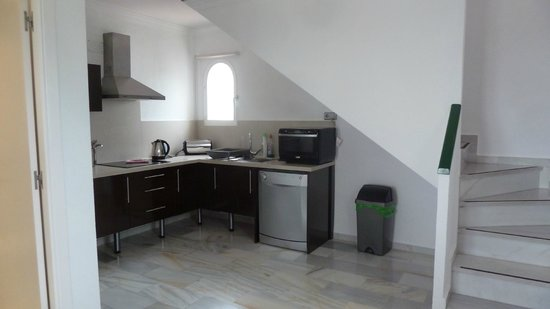 Small kitchen area picture of forest hills estepona for Kitchen room estepona