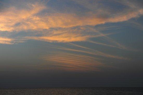 Long Caye Resort: Sunsets