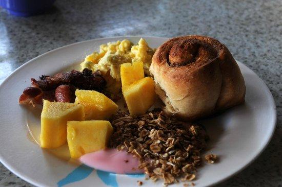 Long Caye Resort: Food