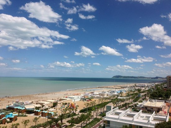 Atlantic Hotel Riccione: Vista dalla nostra camera