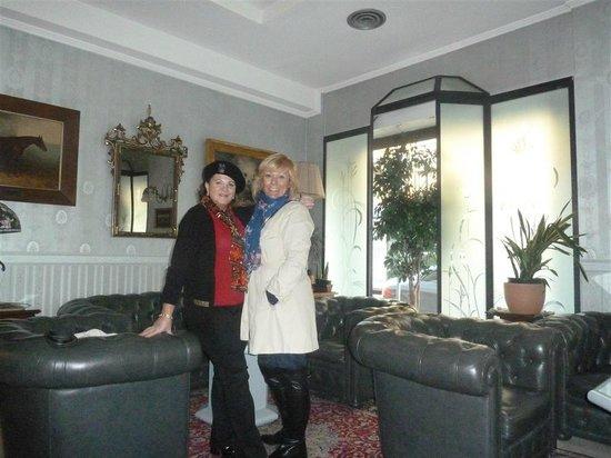Hotel Bocconi: recepcion