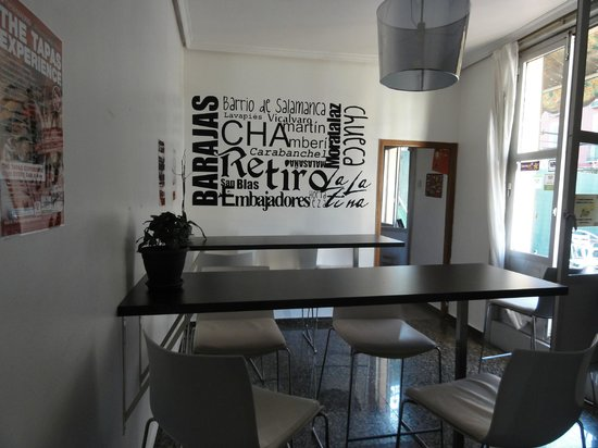 Barbieri Sol Hostel: Part of the spacious kitchen - room to sit, eat, chat, or be with your labtop.