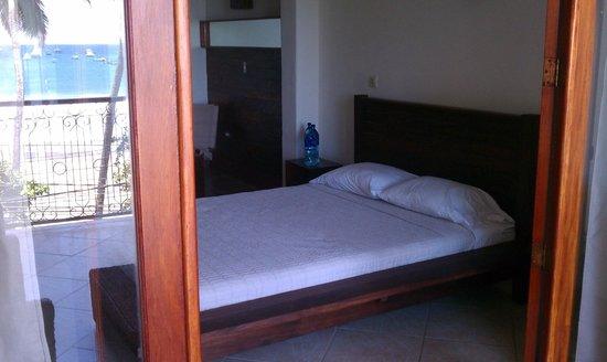Hotel Alcazar : Very comfy bed