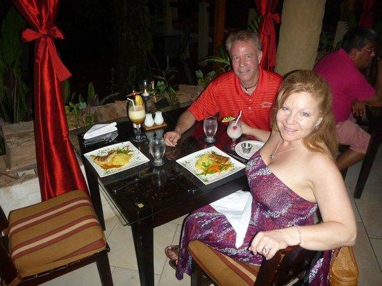 Falls Garden Restaurant: A Romantic night out with Mahi Mahi