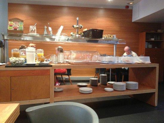 Barcelona Century Hotel: Завтрак