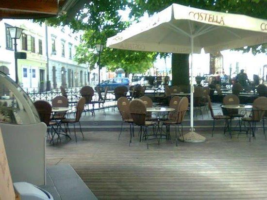 Homan: Outdoor seating