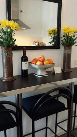 Tulip of Amsterdam B&B: complimentary for and wine