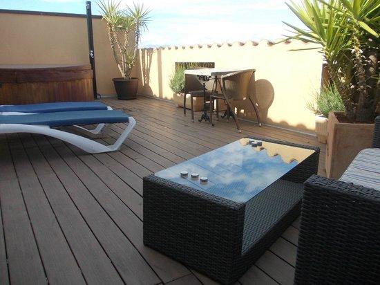 Hotel Restaurant La Placa: Terraza de la habitación