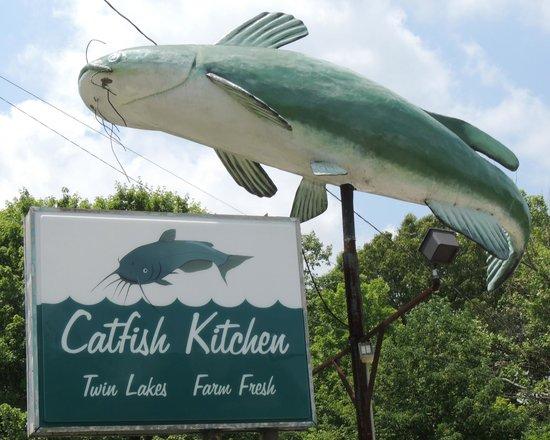 Catfish Kitchen: Sign