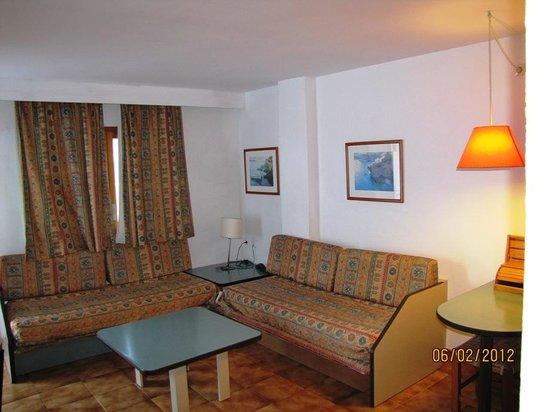 Apartamentos Ferrer Tamarindos: vista habitacion