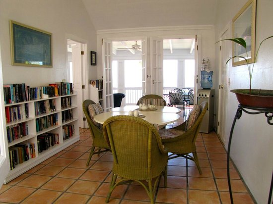 At Home In The Tropics Bed and Breakfast Inn : Breakfast area